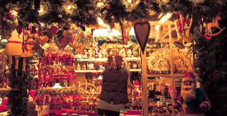クリスマスマーケットで本場のクリスマスの雰囲気を楽しみましょう